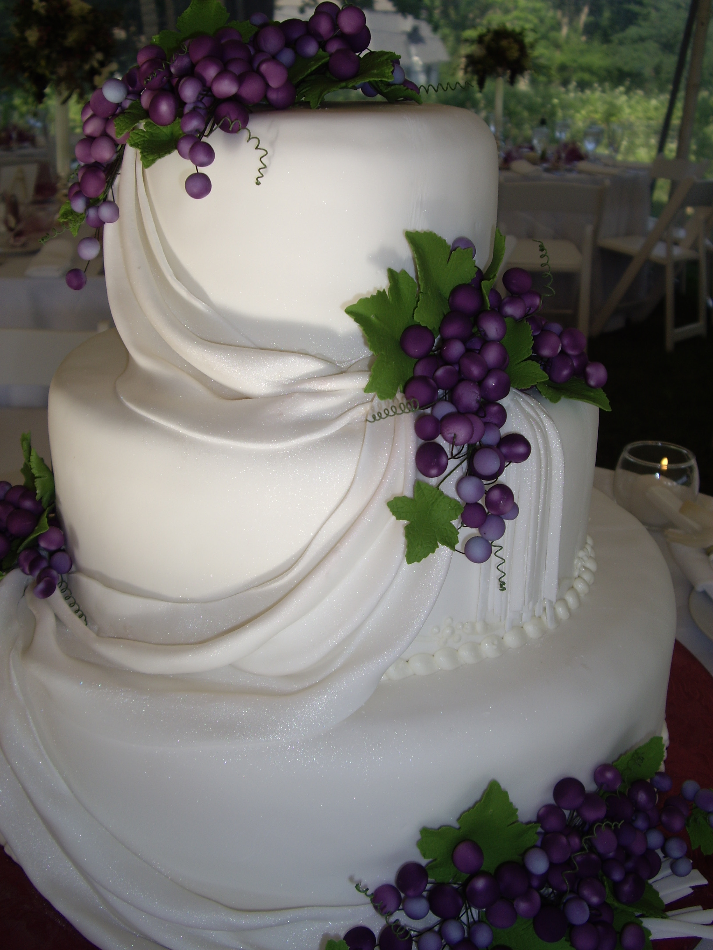 The Cake Gallery Wedding Cakes Our Unique Style And Uncomprimising Quality Will Help Sweeten Your Special Day In A Way You Can Only Get Here At